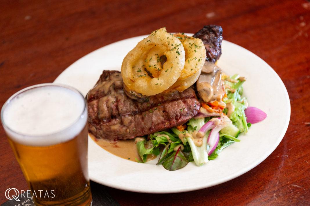 ケアンズで1番安いステーキとビールのセット