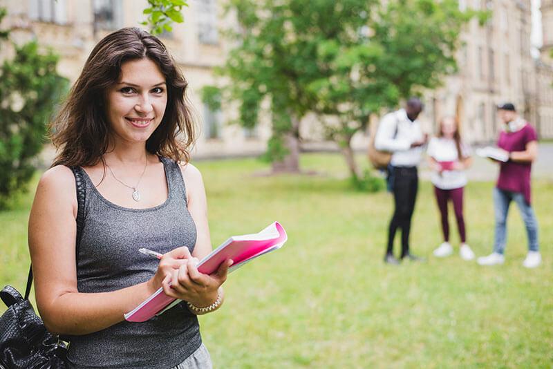 海外の大学や専門学校に進学準備