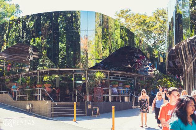 カーニバルオンコリンズのカフェ