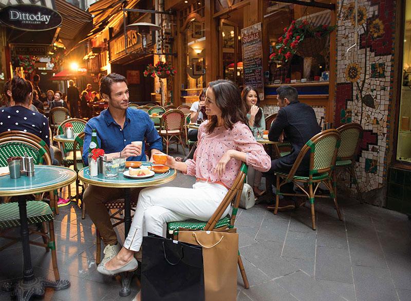 メルボルンのカフェ風景